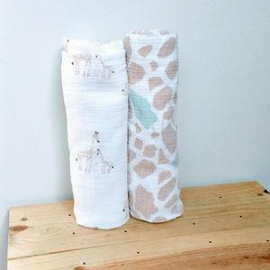 Giraffe Print Muslin Blankets